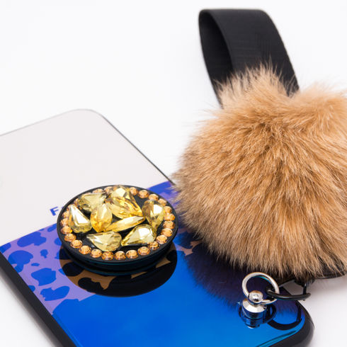 Imagine Husa Luxury Fashion Animal Print cu Pom Pom si Popsocket iPhone X/XS